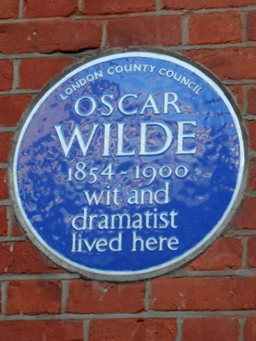 Oscar Wilde wit and dramatist lived here